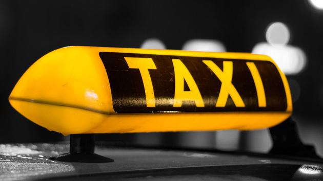 Uber: Berliner Landgericht verbietet Fahrdienst