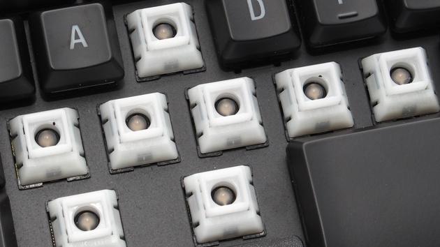 SteelSeries Apex M800 im Test: Mechanische Notebook-Taster treffen RGB-LEDs