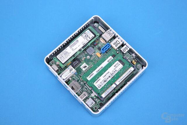 Intel NUC5i3RYK voll bestückt