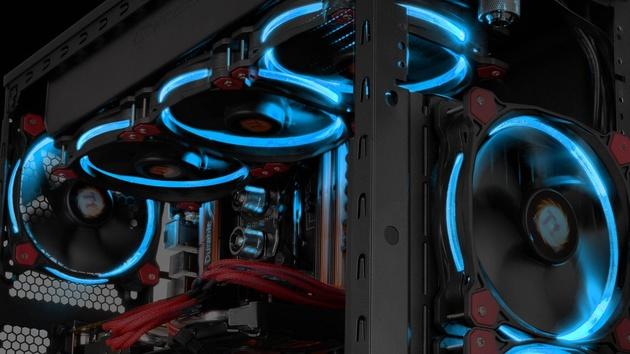 Thermaltake Riing: Neuer Lüfter leuchtet in vier Farben im Kreis