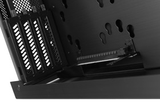 Lian Li PC-O6S – PCIe-Steckplatz