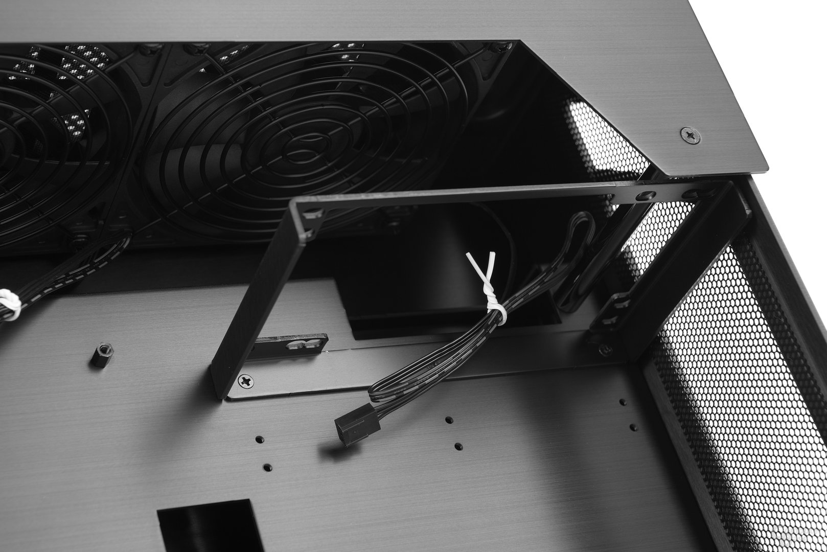Lian Li PC-O6S – Netzteilbracket