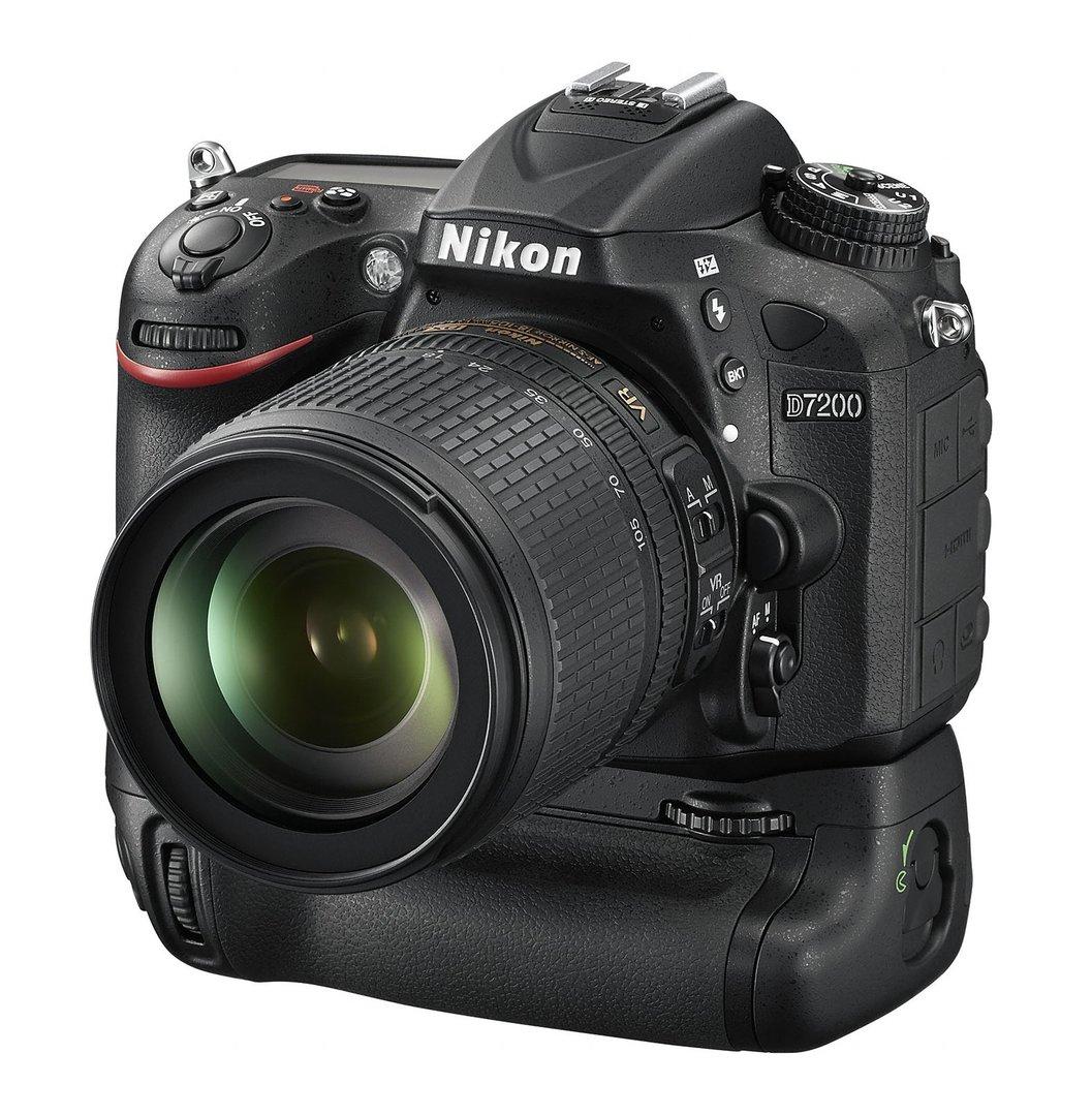 Nikon D7200 mit Batteriegriff MB-D15