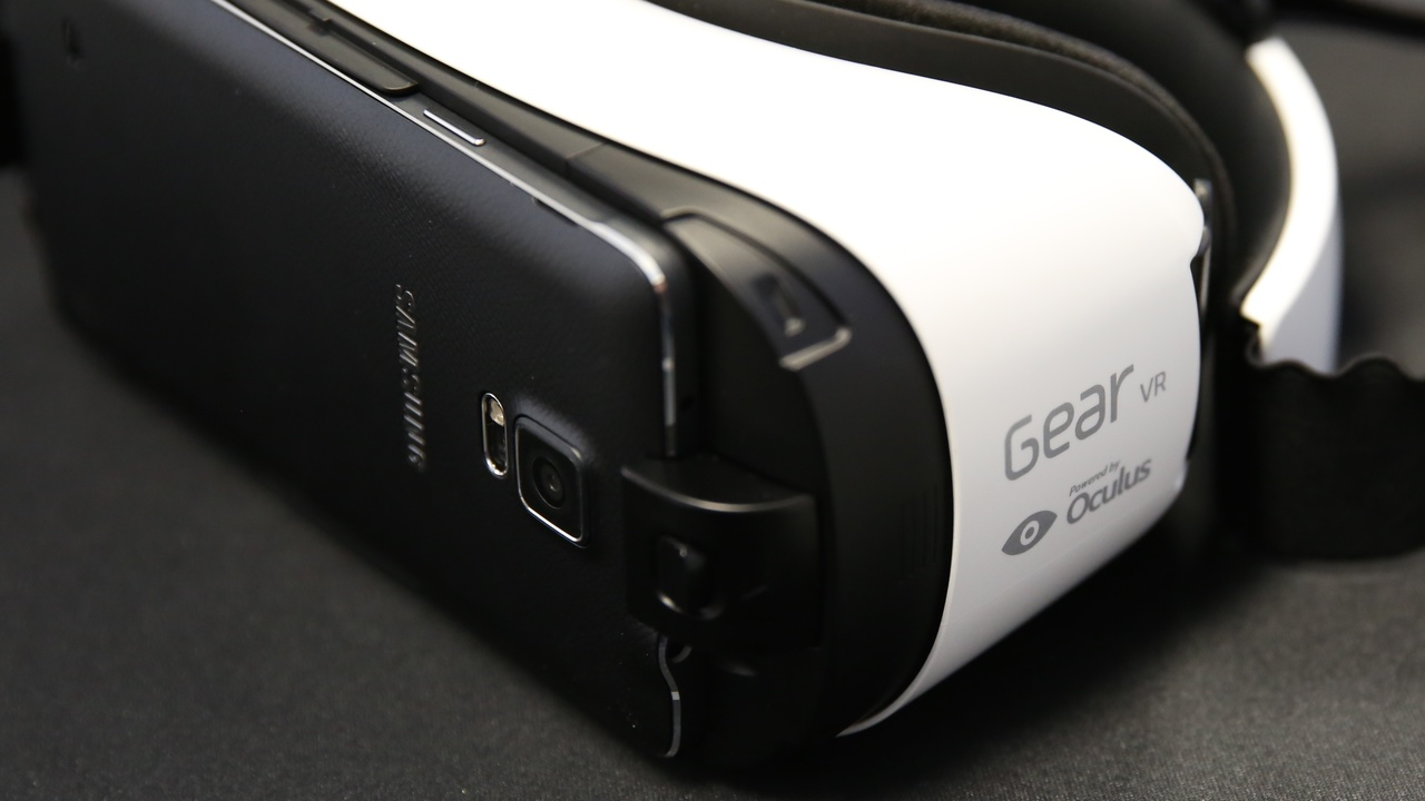 Samsung Gear VR im Test: Virtuelle Realität mit Kompromissen und Zwangspausen