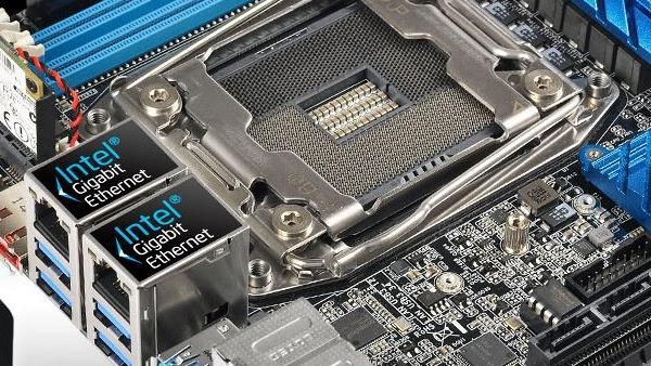 ASRock X99E-ITX/ac: Erstes Haswell-E-Mainboard im Mini-ITX-Format