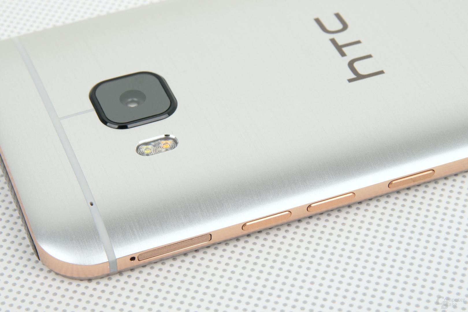 Neues Tastenlayout: microSD, Lautstärke hoch/runter, An/Aus
