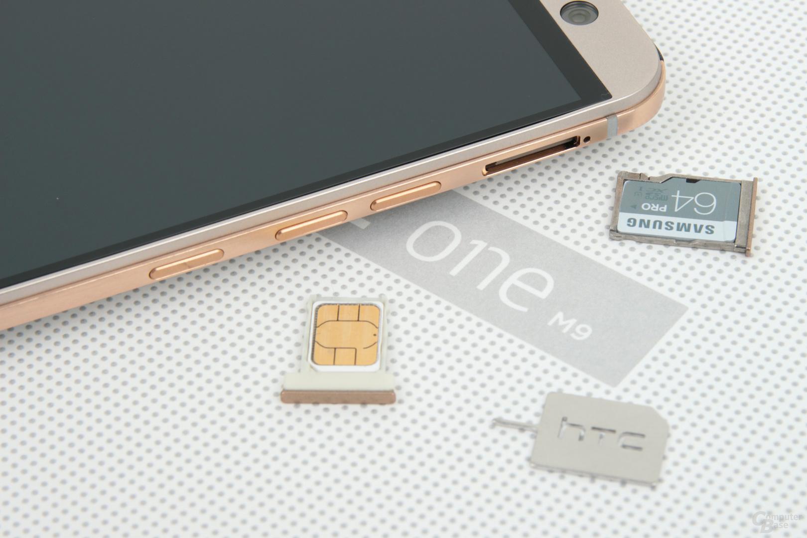 Nano-SIM-Schacht links, microSD-Schacht rechts