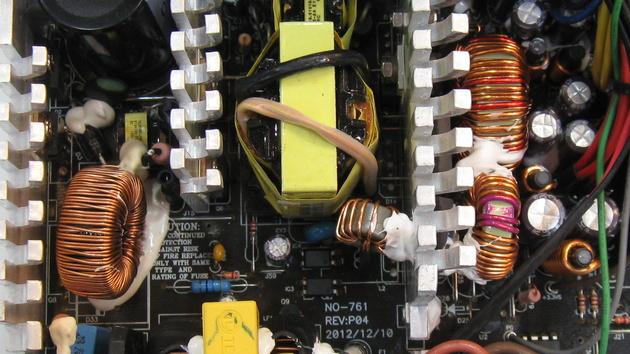 Chieftec: Neue Force-Netzteilserie auf der CeBIT gesichtet