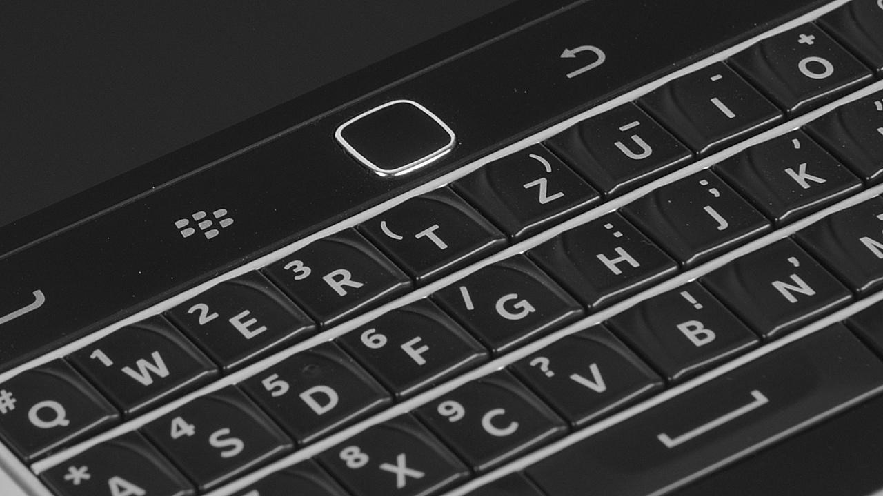 BlackBerry Classic im Test: Tastatur-Smartphone mit Trackpad und Touchscreen