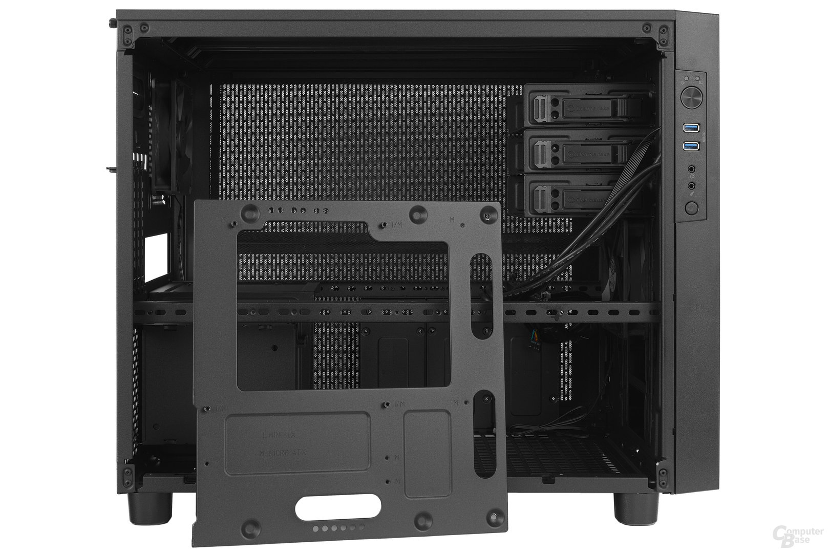 Thermaltake Core X2 – Mainboardtray entfernt