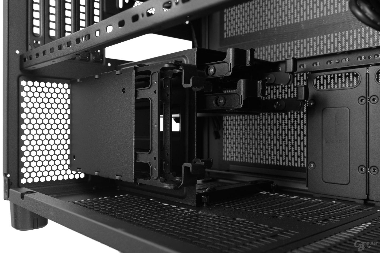 Thermaltake Core X2 – Zwei Festplattenkäfige