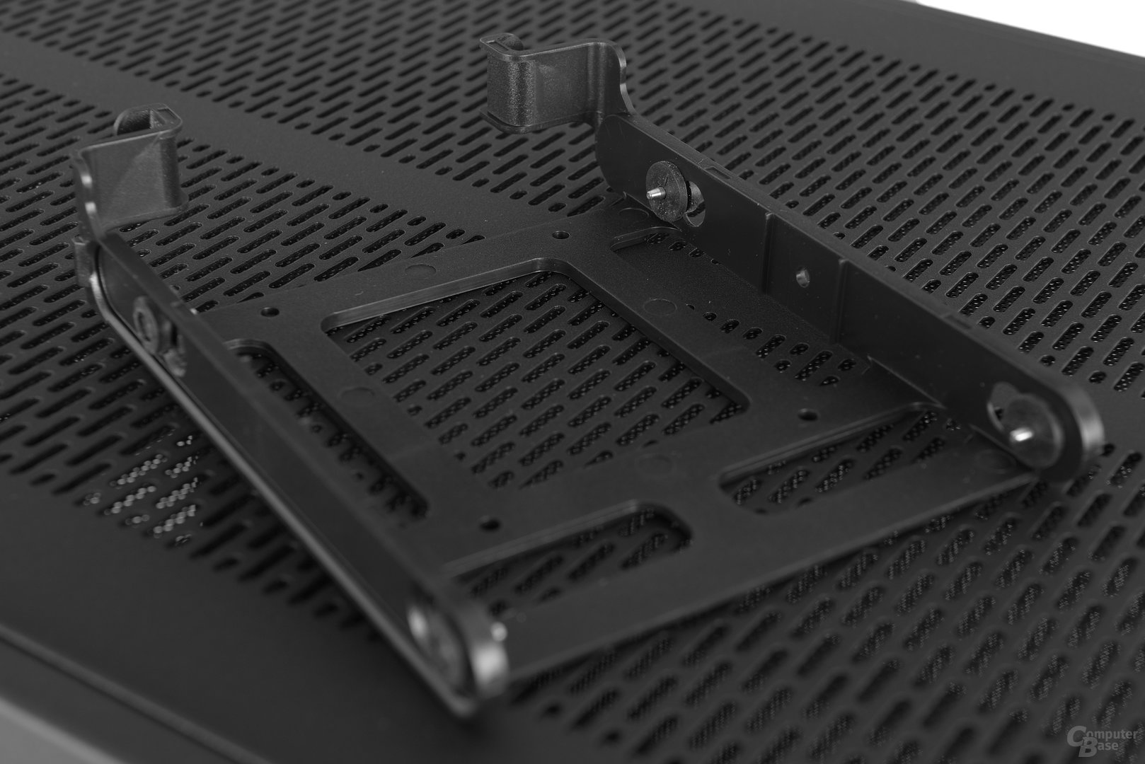 Thermaltake Core X2 – Festplattenschiene