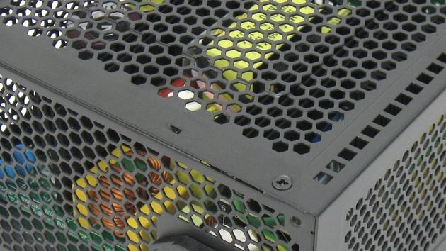 Golden Silent 430 Watt im Test: Super Flowers Passiv-Netzteil für unter 110Euro