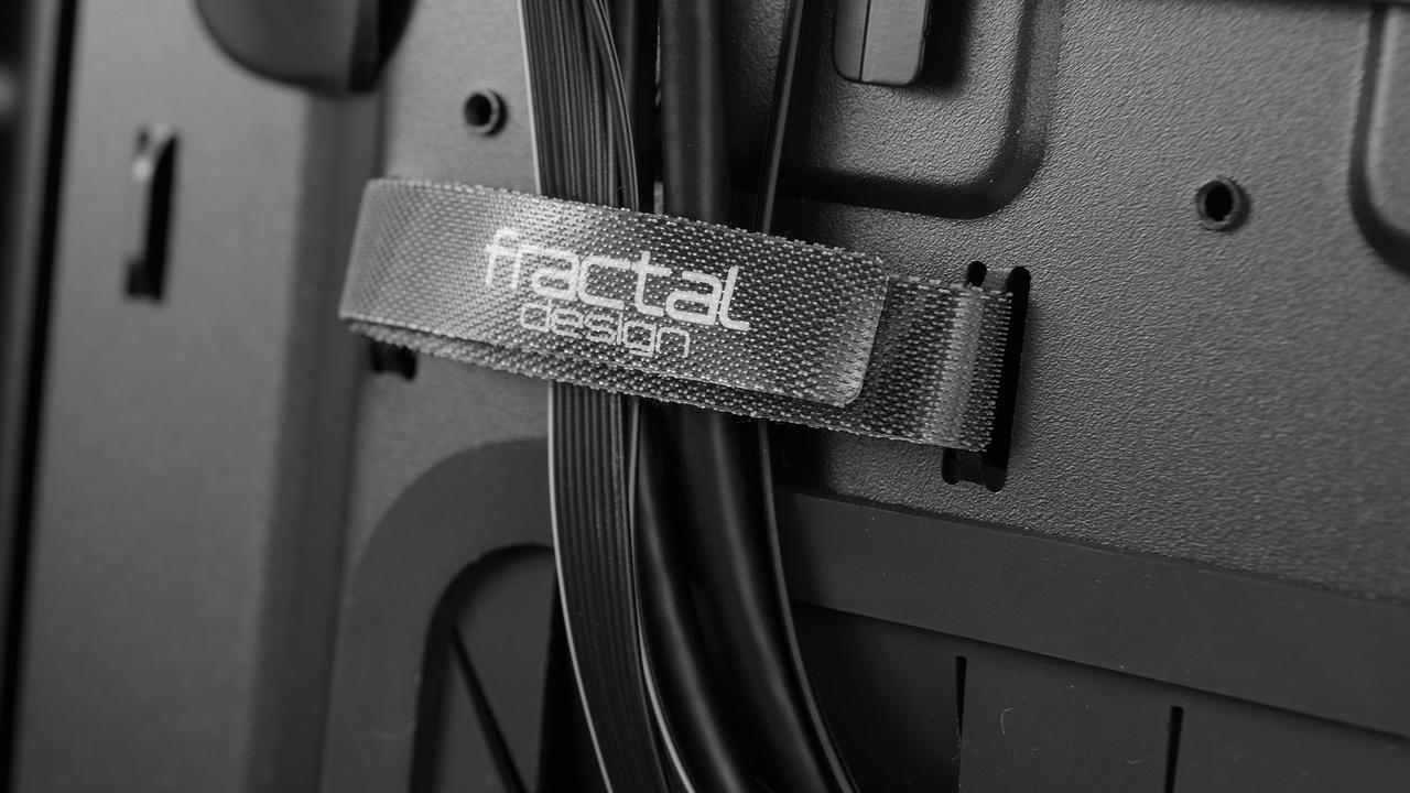 Fractal Design Define S im Test: Das Define R5 für Wasserkühler und Sparfüchse