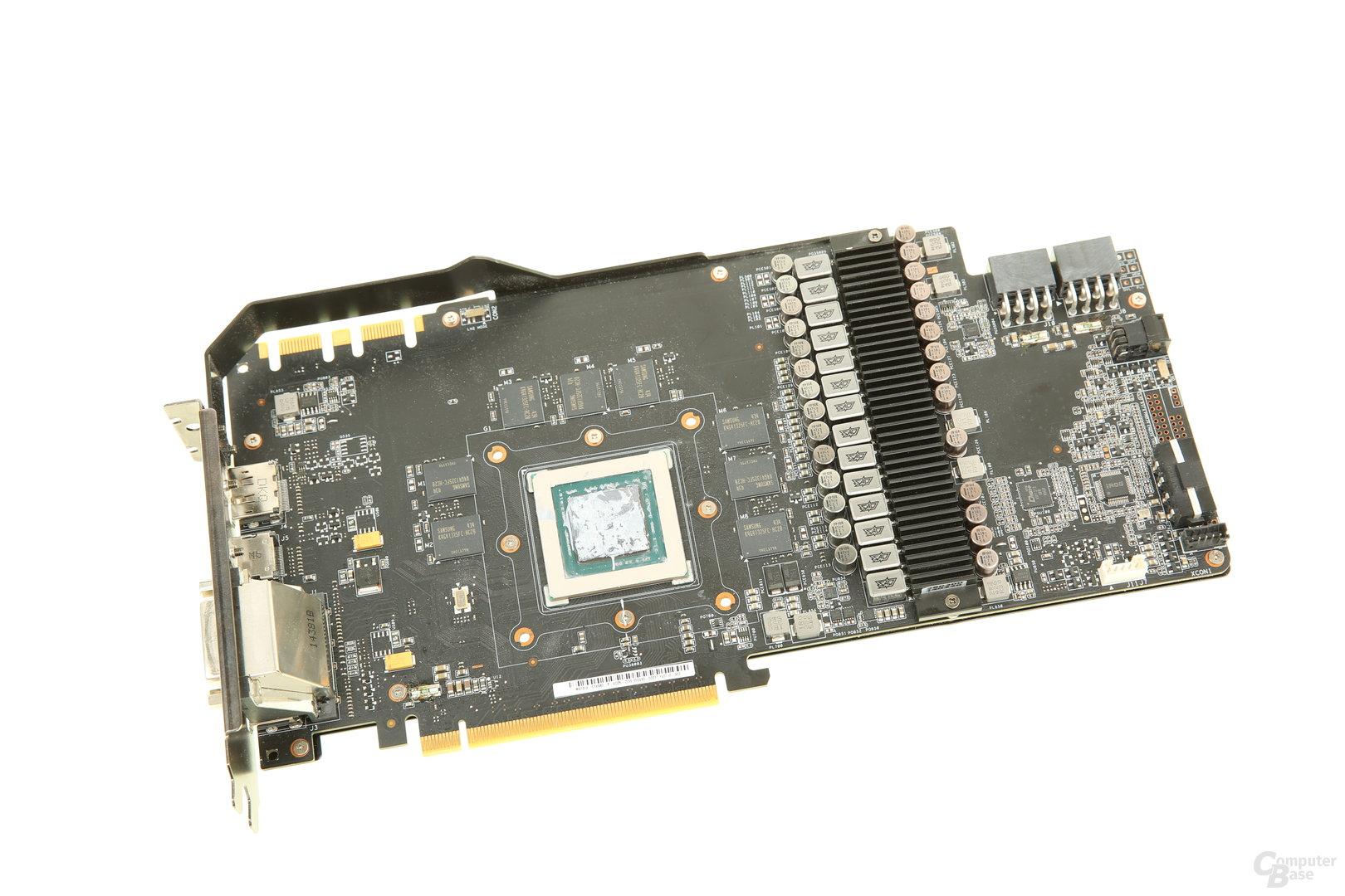 Das PCB der GeForce GTX 980 Matrix ist breiter und länger