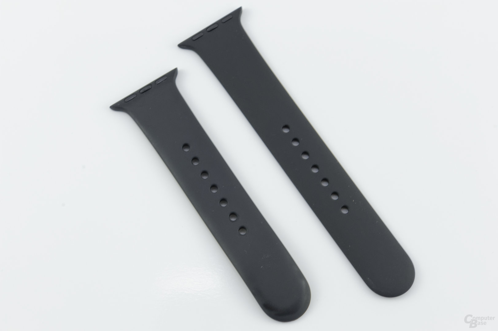 Apple Watch Sport – zwei Armbänder im Lieferumfang