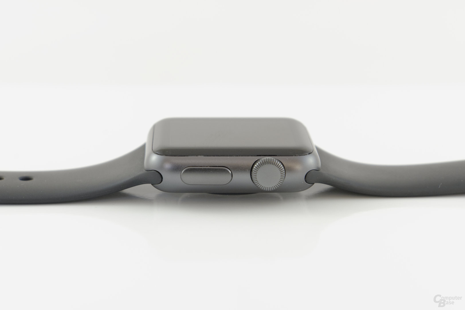 Apple Watch Sport – Seitenansicht und digitale Krone