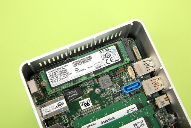 M.2-Slot mit schneller SSD bestückt