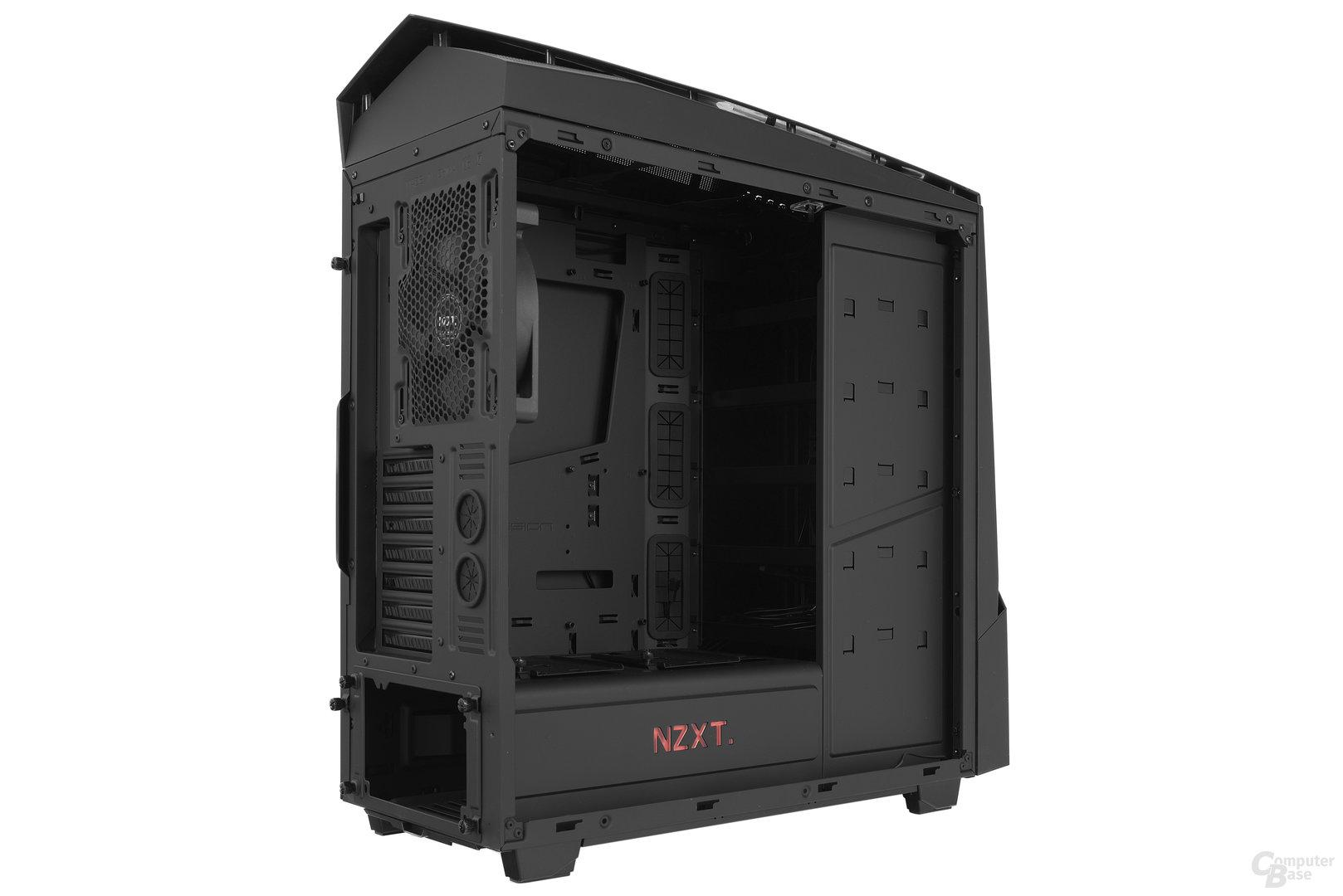 NZXT Noctis 450 – Seitliche Innenraumansicht