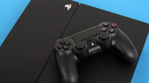 Spielkonsolen: PlayStation 4 in neuer Revision, Xbox One mit Indie-Bundle