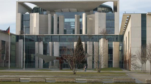 Spionage-Skandal: Geheimdienst-Kontrolleure stoppen BND-Überwachung