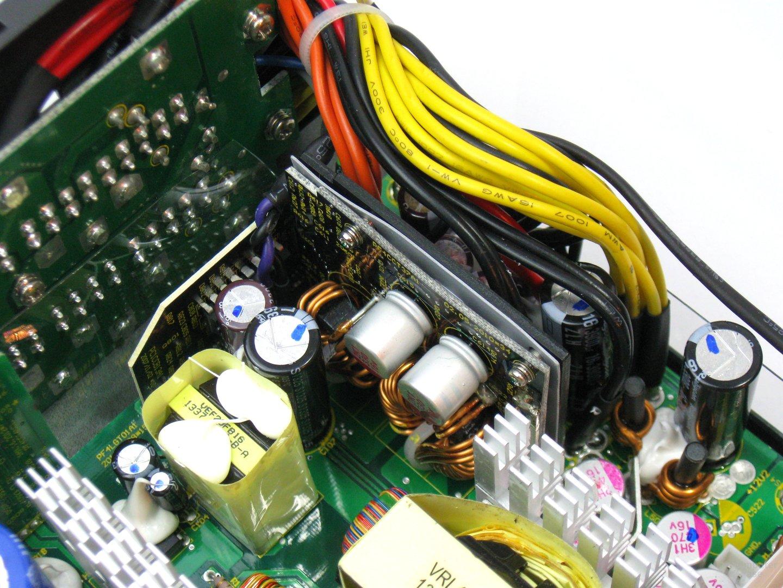 XFX XTR 550 Watt – Sekundärseite