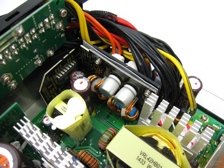 Fractal Design Edison M 550 Watt – Sekundärseite