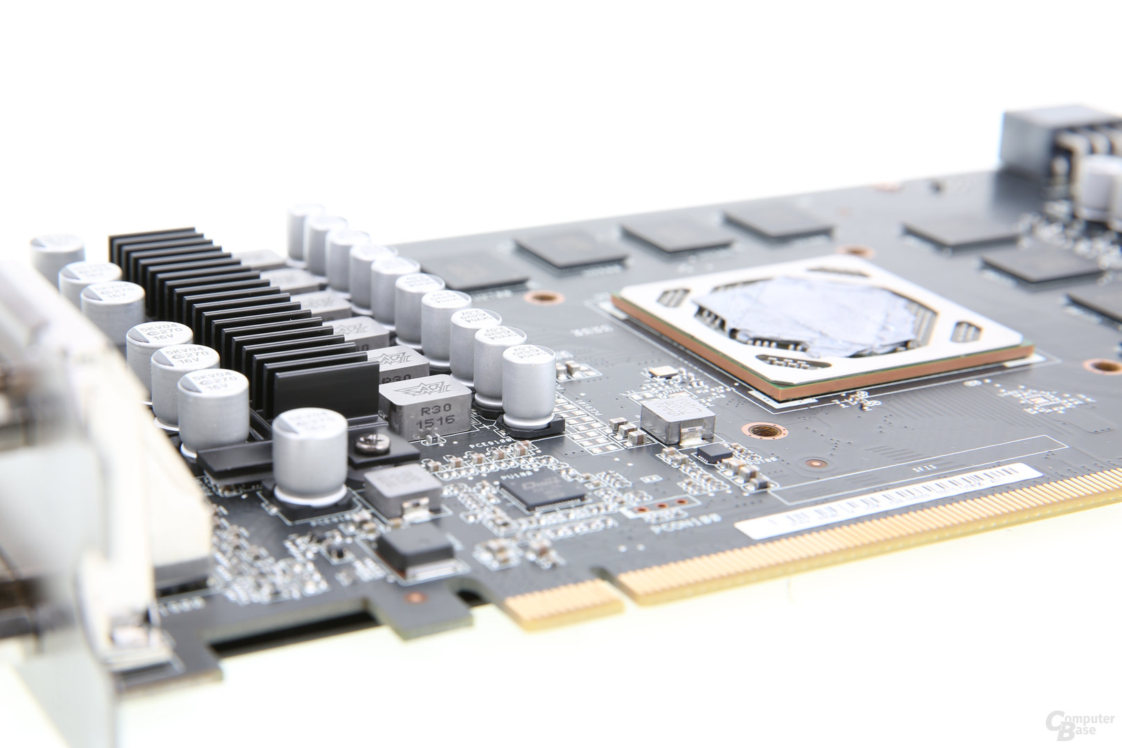 Tonga-GPU auf Asus Radeon R9 380 Strix