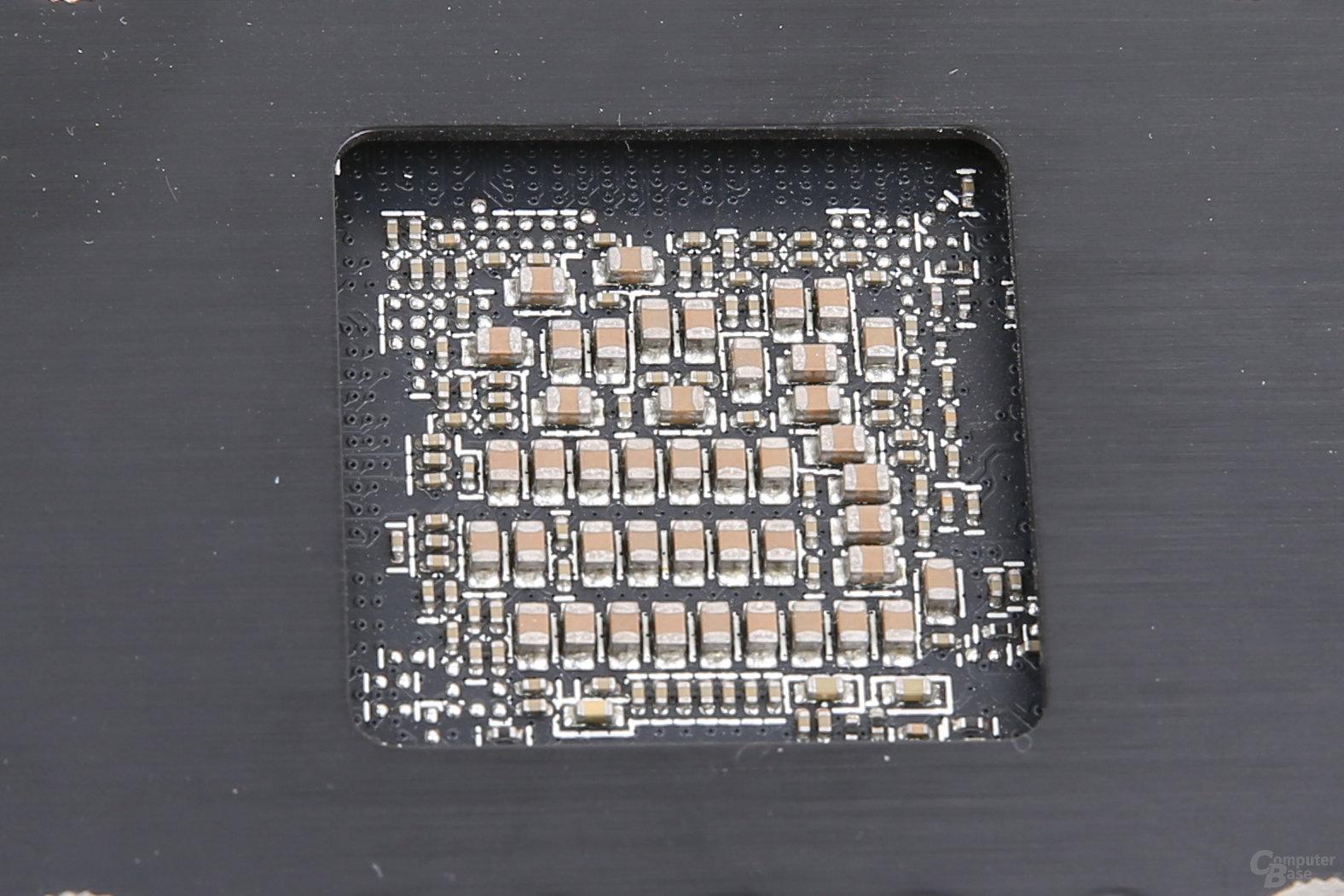 Rückseite der Tonga-GPU auf der R9 285
