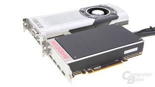 AMD Radeon R9 Fury X (unten) und Nvidia GeForce GTX 980 Ti (oben)
