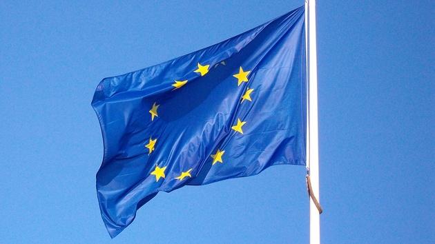 Europäische Union: Roaming-Gebühren fallen, die Netzneutralität fällt mit