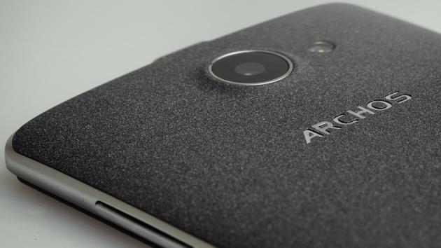 Archos 50d Helium: Minimale Produktpflege mit LTE Dual-SIM für 150 Euro