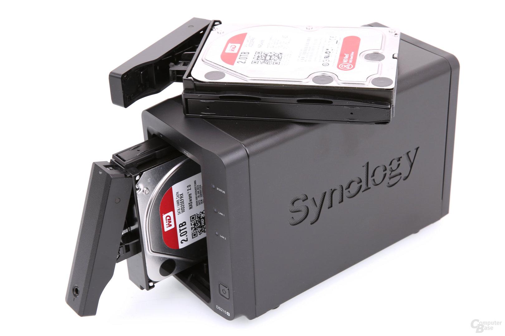 Synology DS215+ – Laufwerkseinschübe