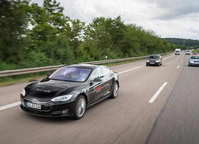 Bosch nutzt auch Fahrzeuge von Tesla, um das automatisierte Fahren zu erproben.