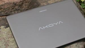 Medion Akoya E6416: Notebook mit Windows 10 braucht kräftige Stimme