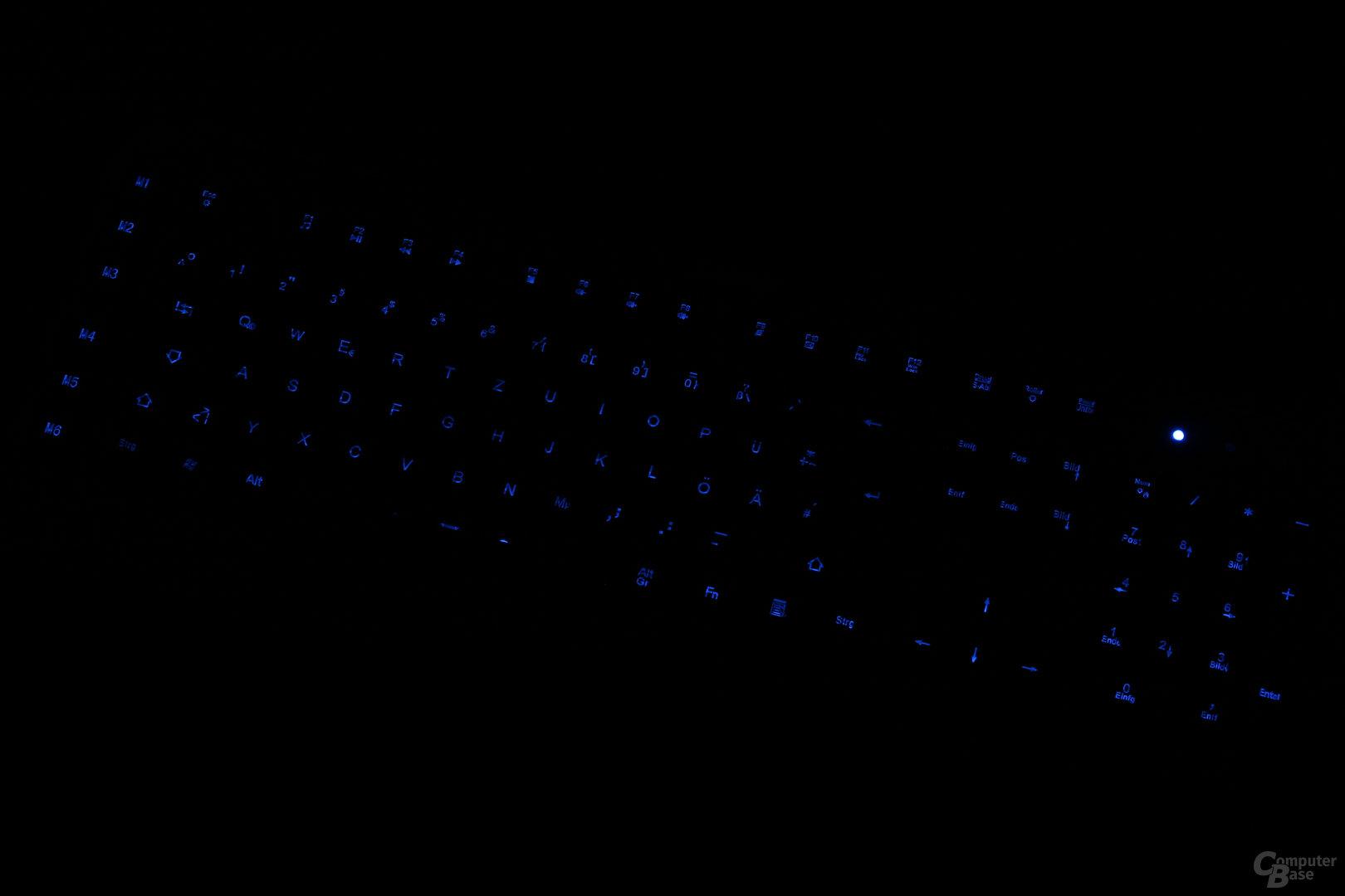 Im Dunkeln reicht die Helligkeit, die Status-LEDs stören hier jedoch