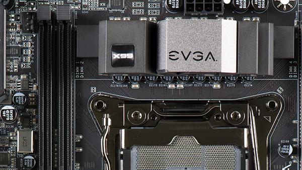 EVGA X99 Micro2: Haswell-E-Mainboard in neuem Layout und mit USB 3.1 Typ C
