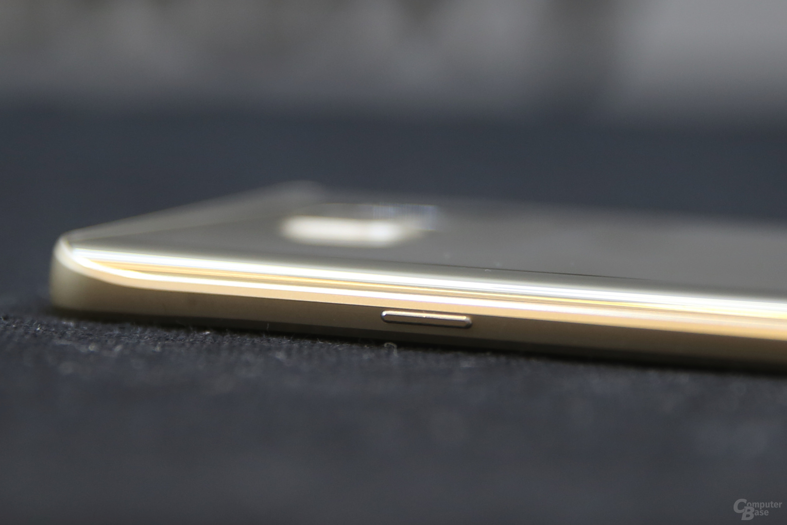 Wie beim Galaxy S6 edge ein sehr dünner Rahmen