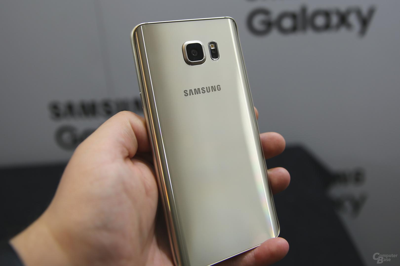 Das Galaxy Note 5 folgt dem Design des Galaxy S6