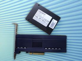 """Samsung PM1725 als PCIe-Karte und 2,5""""-Modell"""