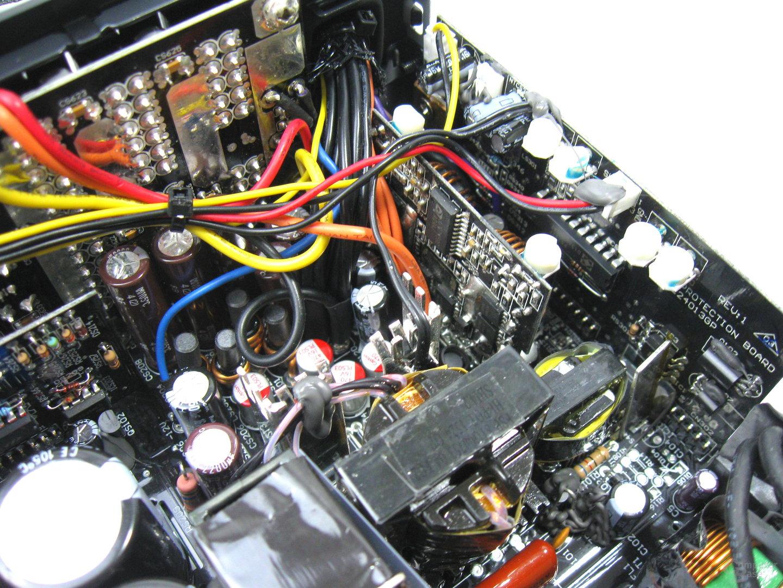 be quiet! Dark Power Pro P11 550W – Sekundärseite und Schutzschaltungen