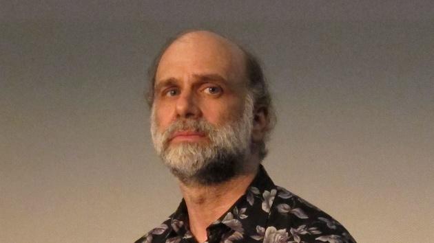 LinuxCon: Bruce Schneier sieht einen Cyberwar ohne klare Gegner