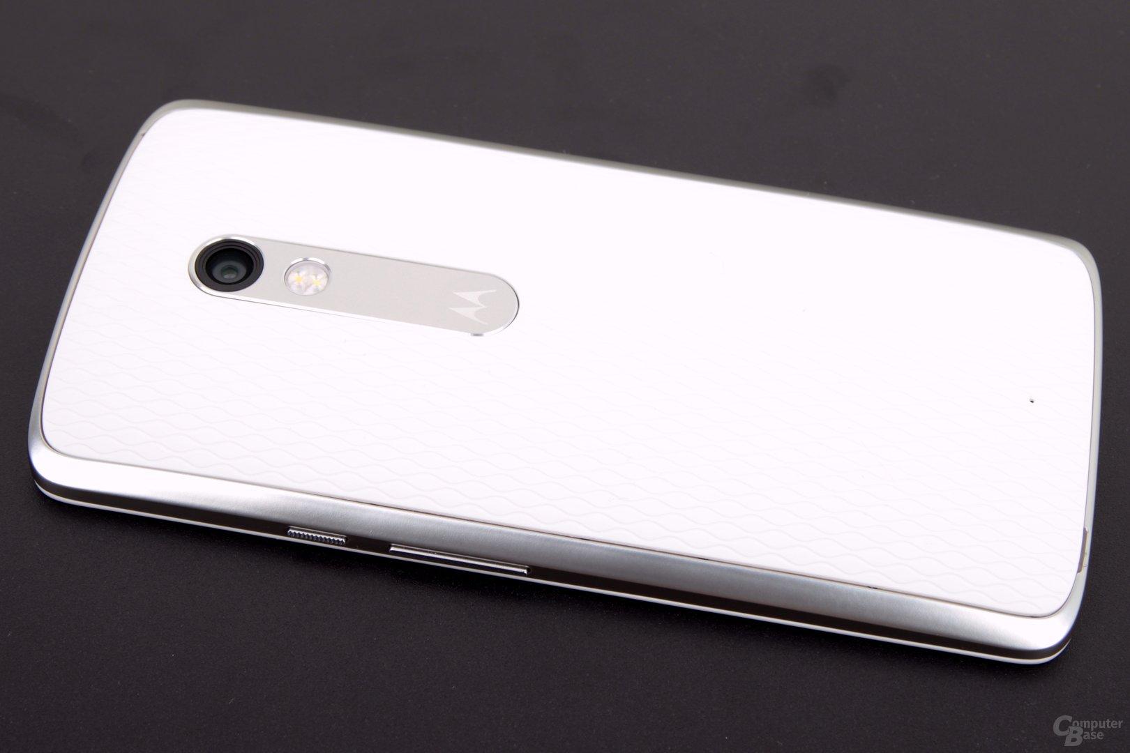 Die Rückseite hat das aktuelle Motorola-Design