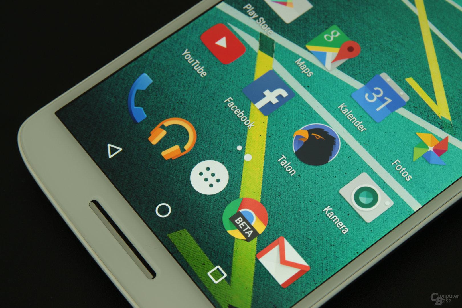 Auch das Moto X Play hat mit 1.080 × 1.920 Pixeln eine hohe Auflösung