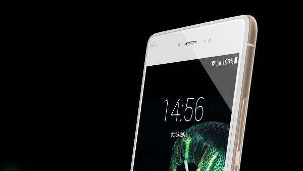 Wiko Fever: Das Smartphone, das im Dunkeln leuchtet