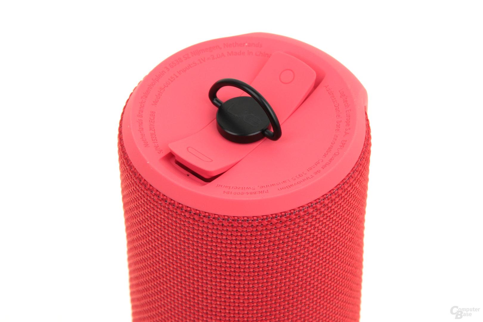 UE Boom 2 – Schutzkappe über Klinke und Mikro-USB