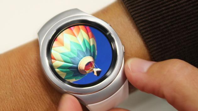 Samsung Gear S2: Runde Tizen-Smartwatch kostet 349 und 379 Euro