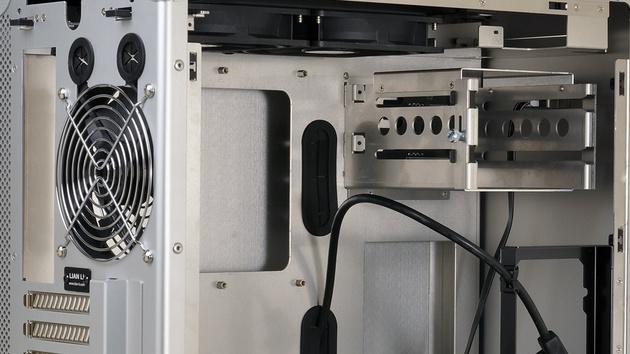 Lian Li PC-TU300: Tragbares ATX-Gehäuse kann zum Gepäckkoffer werden