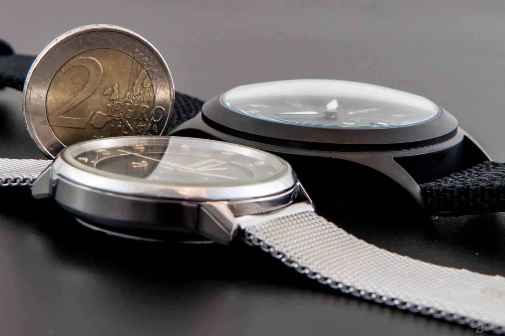 Runtastic Moment Elite – im Größenvergleich mit Rado Silverstar (Ø 36 mm)