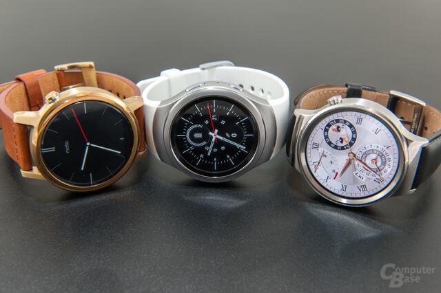 Die Uhren im Vergleich